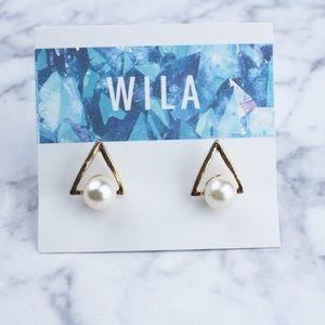 WILA Jewelry - PRICE IS FIRM🌵Trendy Triangle Faux Pearl Studs