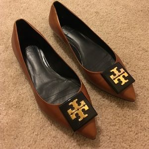 Tory Burch brown point toe tortoise medallion Sz 7