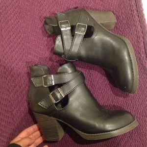 Shoes - Black boots with cut outs