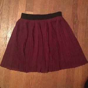 Pleated skirt by Forever 21 ❤️ size S