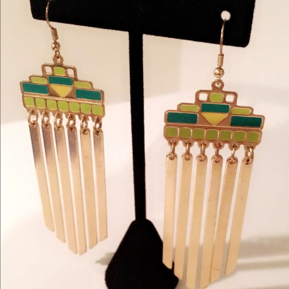 CindyLBB Jewelry - 💚💛 Green & Yellow Dangle Earrings 💛💚