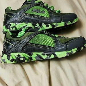 Chaussures Fila Garçons Taille 1 EJEoP