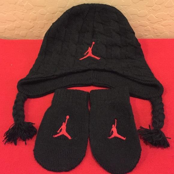 4d271e1d7c0 Nike Jordan Infant Beanie   Mittens Set