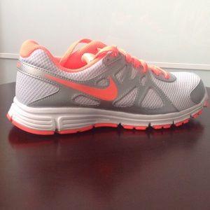 Nike Other - 🎉🎉🎉HP. 1/5/17👍🏻🎊🎊🎊NWT. Girls Nike shoes👟