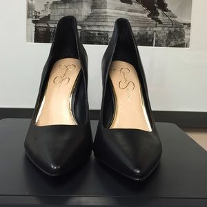 "Jessica Simpson ""Cambredge"" black leather shoes."