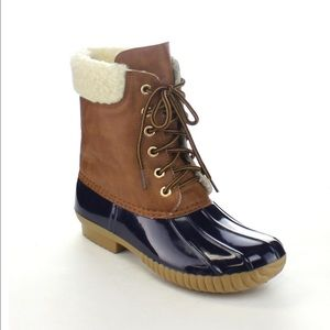 🎈LAST ONE🎈Ladies Dylan duck boots. Navy. NIB