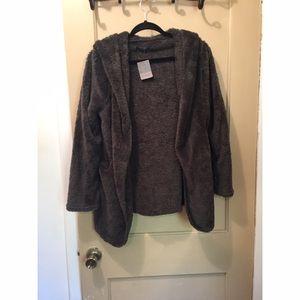 Jackets & Blazers - NWT Furry jacket! 💕