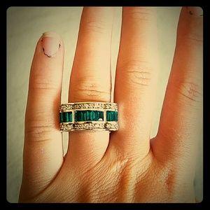Jewelry - Gemstone silver ring