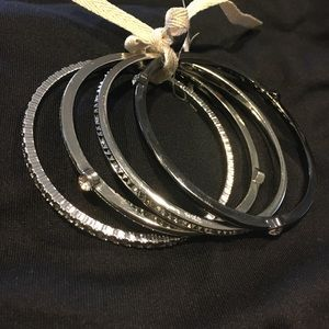 NWT Set of 4 silver tone bangles