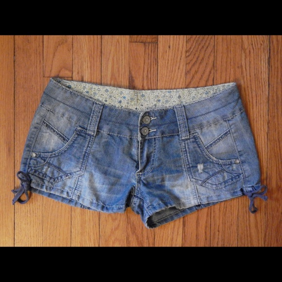 Almost Famous Pants - Almost Famous Girly Chambray Shorts Sz 5