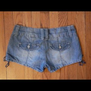 Almost Famous Shorts - Almost Famous Girly Chambray Shorts Sz 5