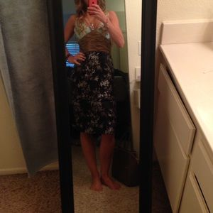 Dresses & Skirts - High end boutique dress Sz 6 -Great 4 Mother's Day