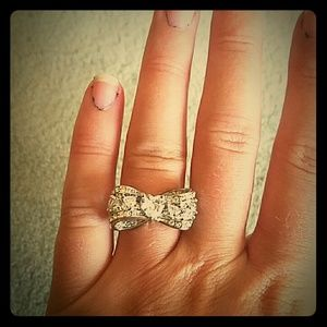 Jewelry - Bow ring