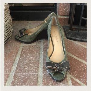 Nicole Miller Shoes - 🎀Nicole Miller Suede Peep Toe🎀