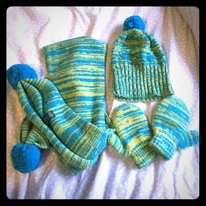 Other - Cashmere baby hat, gloves and scarf set NWOT