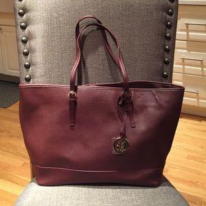 New York & Company burgundy shoulder bag