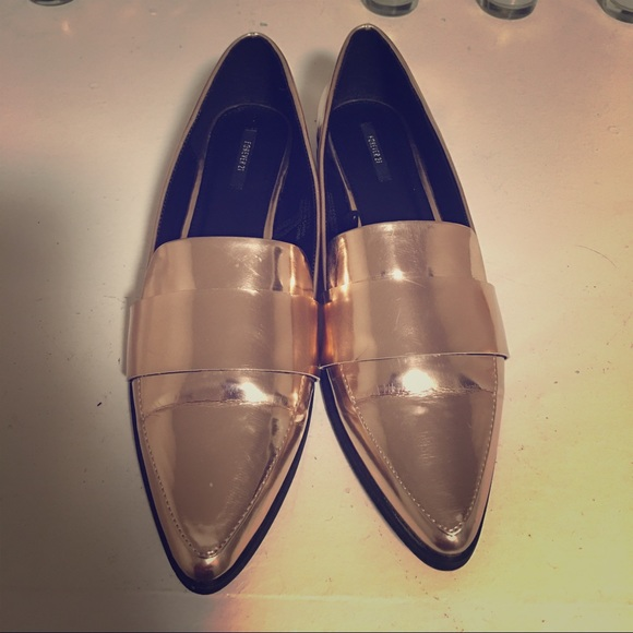 0ca01eae8e6 Forever 21 Shoes - Rose Gold Metallic Pointed Toe Loafers!