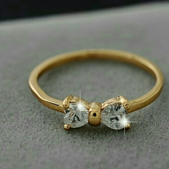 Ring Austrian zircon crystals/gold plated No stamp NWT