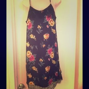 Dresses & Skirts - Cute dress worn once size M. Must see. .