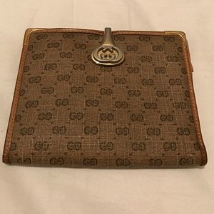Gucci Handbags - Vintage Gucci Coin Wallet