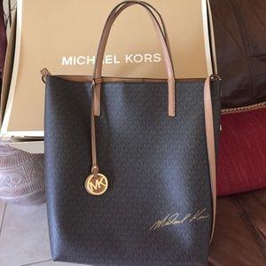 KORS Michael Kors Handbags - Michael Kors signature on a large convertible tote