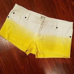 RVCA Pants - RVCA white & yellow shorts size 30