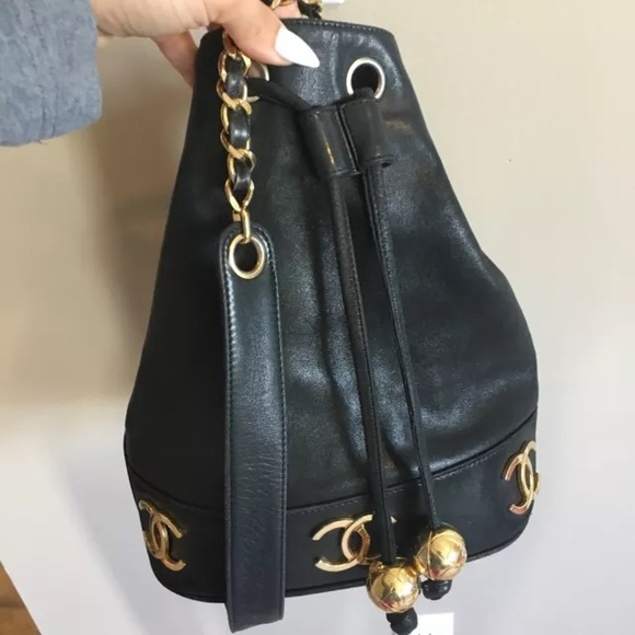 d10a7089b9c2 CHANEL Handbags - Vintage Chanel bucket bag