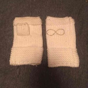 Accessories - Fingerless winter gloves with infinity