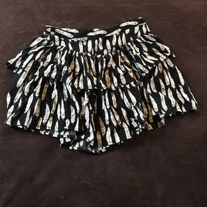 Feather printed ruffle skirt