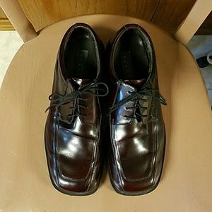 Kenneth Cole Reaction Other - Kenneth Cole Reaction Burgundy Lace Up Shoes 11
