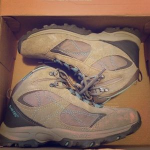 Hi-Tec Shoes - Hi-Tech hiking boots!