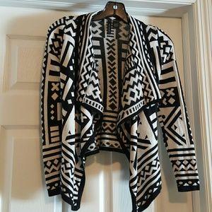 Full Tilt Sweaters - Black & white Abstract Design Sweater