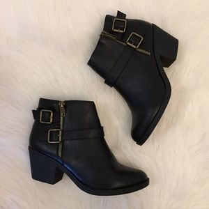 Boutique Shoes - Black Buckle Moto Ankle Boots