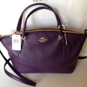 Coach Handbags - NWT Coach Pebbled Leather Sm Kelsey, Aubergine