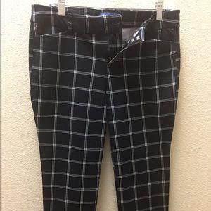 Pants - Old Navy Pixie pants