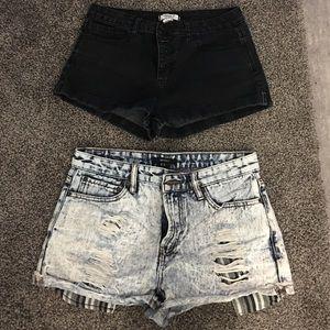 Forever 21 shorts size 28!
