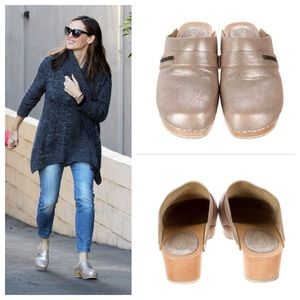  CHANEL Metallic Leather Clogs Mules