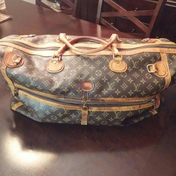 4fb60185e7bf Louis Vuitton Handbags - Authentic Vintage Louis Vuitton duffle bag.
