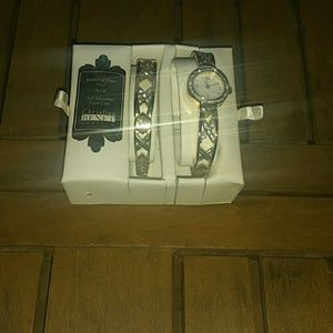 Christian Benet Couture Accessories - Gold watch and bracelet