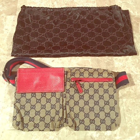 73296202e 100% AUTHENTIC GUCCI FANNY PACK IN NAVY AND RED. M_58018ad5f739bc3c5101cdb6