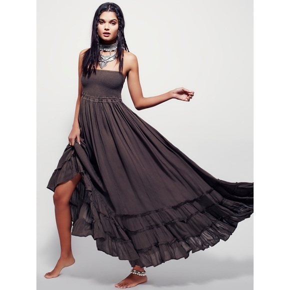 55155084b4c Free People Dresses   Skirts - Free People Extratropical Maxi Dress