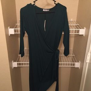 want my look Dresses & Skirts - Want my look wrap dress size medium