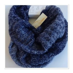 Collection XIIX Accessories - ⏬Reduced Collection XllX, Infinity Scarf