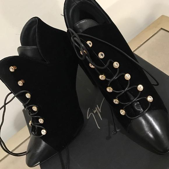 Giuseppe Zanotti Shoes - Giuseppe Zanotti velvet and leather booties NWT