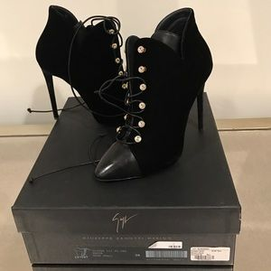 Giuseppe Zanotti velvet and leather booties NWT