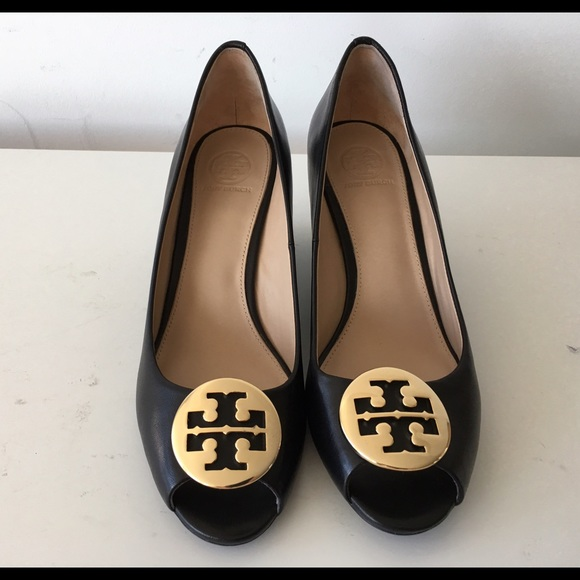 TORY BURCH KARA BLACK PEEP TOE WEDGE PUMP, SIZE 7