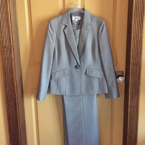 Le Suit Jackets & Blazers - Size 8 LeSuit