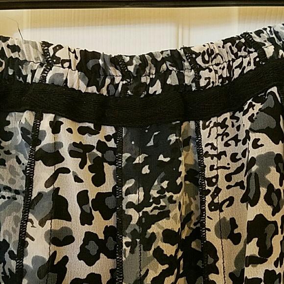 81 Off Dimri Dresses Skirts