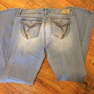 Ariya Denim - Ariya jeans, cute light wash in good condition