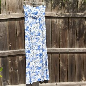Old Navy Dresses & Skirts - Old Navy strapless maxi dress